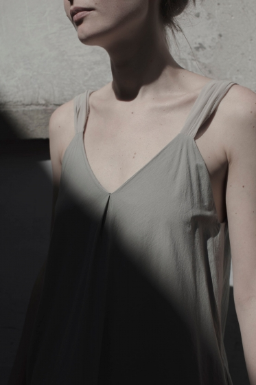 ELSA ESTURGIE — SUKIENKA COUTURE